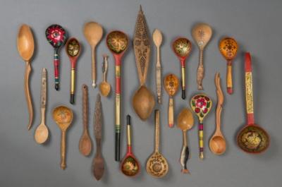 Выставка деревянных ложек